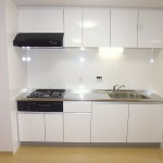 逗子ローズプラザ403号室キッチン(キッチン)