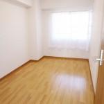 茅ヶ崎グランドハイツA棟403号室 洋室の画像