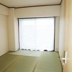 和室 陽あたりの良いお部屋です(寝室)