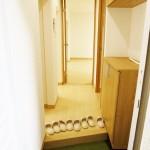 玄関収納新設、フロアタイル張替え(玄関)