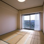 和室約6帖、大型の押入れ付き(寝室)