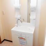 六浦荘団地B棟401号室洗面化粧台