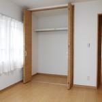 メゾン桜が岡10-1号棟401号室クローゼット