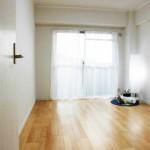 全室フローリングなのでお掃除も楽です(寝室)