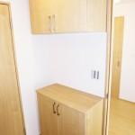 上下タイプの玄関収納新設、タップリ収納出来ます(玄関)
