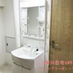 間口の大きな洗面ボウルの洗面化粧台に新規交換済み(内装)