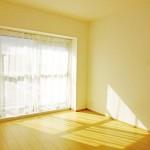 南側に面した明るい5.5帖の洋室