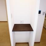 リビングのデッドスペースに電話台を設置(居間)