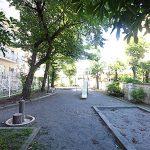 マンション前の公園
