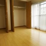 宮前平グリーンハイツ49号棟401号室洋室