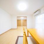 宮前平グリーンハイツ49号棟401号室洋室8帖から洋室6帖