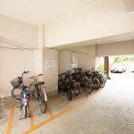 駐輪場は建物の1階部分