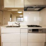 ファミリーコーポ市ヶ尾1010号室キッチン