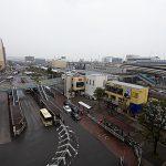 エレベーター側からの眺望、駅は目の前です