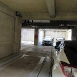 駐車場は機械式ですが屋根付き!