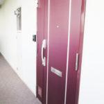 玄関扉もきれいです(玄関)