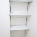 洗面室の収納棚、タオル等の収納に便利!(内装)