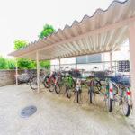 敷地内の駐輪場とバイク置き場は無償です