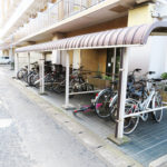駐輪場は屋根付きです