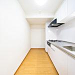 調理スペースもしっかりと確保されており、使いやすいキッチンです(キッチン)