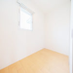全居室にクローゼットがありますが、1.8帖の納戸もあるので収納力バツグンです(内装)