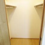 7帖洋室には便利なウォークインクローゼット付き(内装)