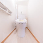 トイレも新しく交換済み。温水洗浄便座付き(内装)