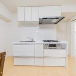 光シャンブル鴨居107号室キッチン