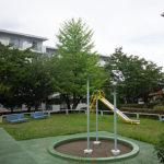 団地の敷地内には公園もあります。(周辺)