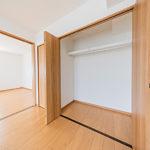 グリーンヒル貝取5号棟408号室南側6帖洋室のクローゼット