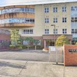 川崎市立柿生小学校260m 小学校まで徒歩4分でお子様のいるご家庭も安心の立地(周辺)
