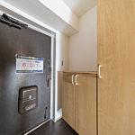 玄関収納新設。タップリ収納出来ます(玄関)