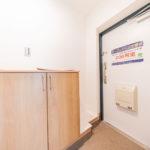 玄関シューズボックス新設 来客時はリビングのモニターホンで確認できます