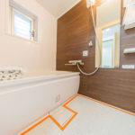 窓付きの浴室 ユニットバス新規交換済み(風呂)