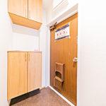 上下タイプの玄関収納を新設(玄関)