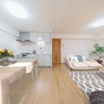 広々13.7帖のLDKは、ダイニングテーブルやソファも置けるゆったりとした空間 ※家具はイメージです(居間)