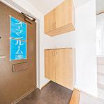 玄関収納は上下分割タイプを新設(玄関)