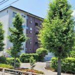 二俣川駅利用、バス停徒歩1分!閑静な住宅街、毎日のお買い物施設も近くに揃っています!(外観)