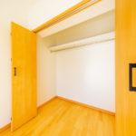 グランドハイツ十日市場403号室洋室6帖収納