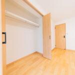 京王北野マンションB棟407号室-洋室6帖収納
