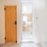 浴室に窓が有るので換気をしやすく通気性良く保てます。(風呂)