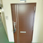 西八王子ハイツc棟c12-5玄関ドア