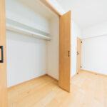 鶴川6丁目団地8-15号棟101号室-洋室6帖