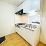 クリオ久里浜参番館301号室-キッチン