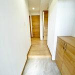玄関から廊下部分もゆったりとしています。(玄関)