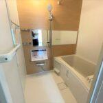 ユニットバス新規交換。きれいなバスルームです。(風呂)