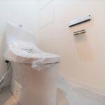 トイレ新規交換。ウォシュレット新規設置。(内装)